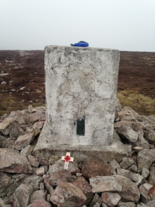 I left a wee cross on the summit cairn to the crew all 6 who died on this spot in 1940!