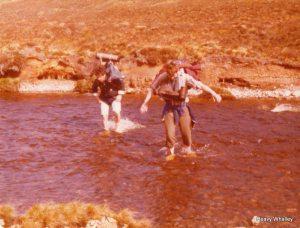1976 RIVER CROSSING n - s