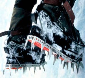 Footfangs - A stable platform for waterfall ice climbing,