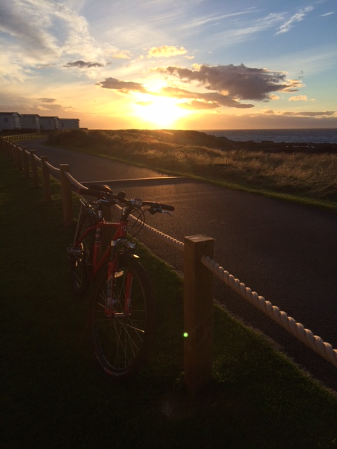 Great sunset at Hopeman - must get lights for the bike.
