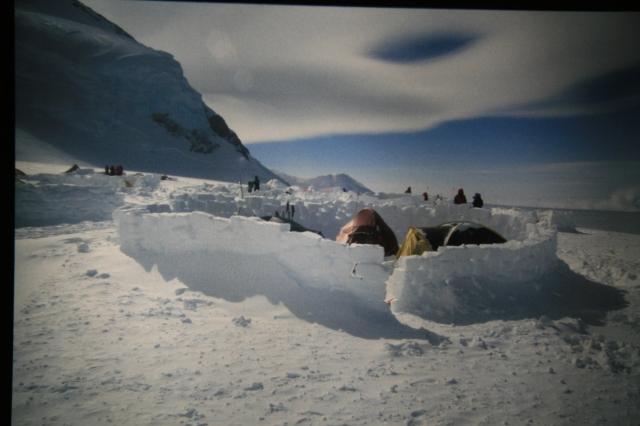 alaska-14500-feet-camp-igloo